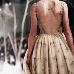http://runwayandbeauty.tumblr.com/post/152579387619/back-detail-paolo-sebastian-autumnwinter-2016
